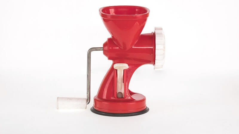 features-of-a-manual-meat-grinder